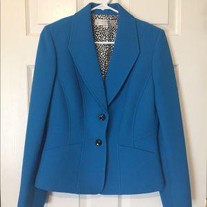 Tahari SZ 6 Career blazer. Like New!